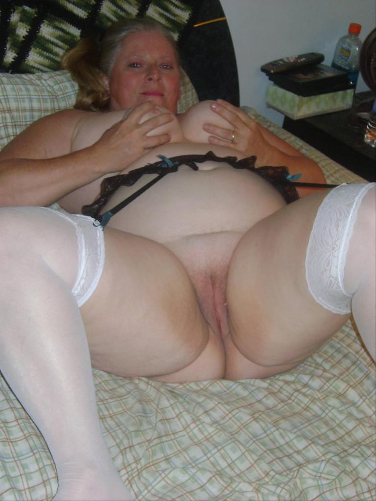 gallery:mature big boobs