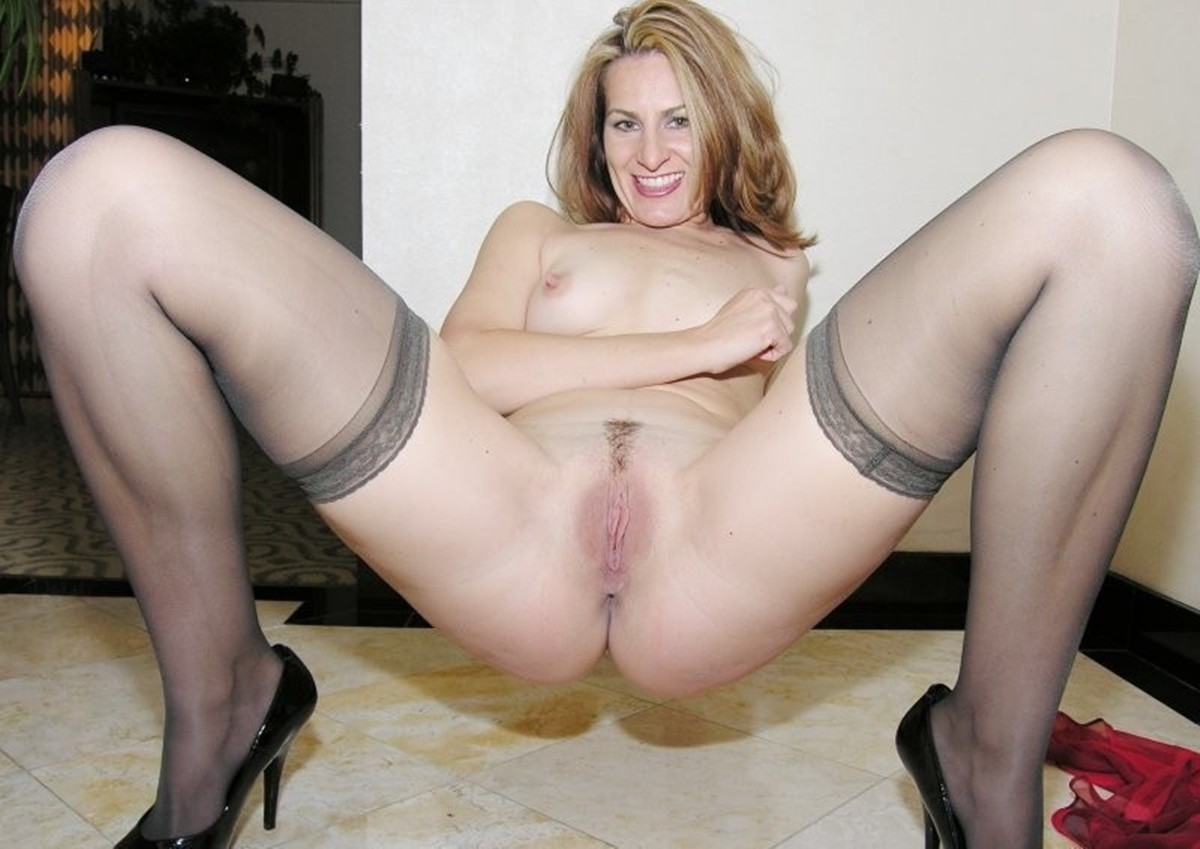Cheating Blonde Mature Milf