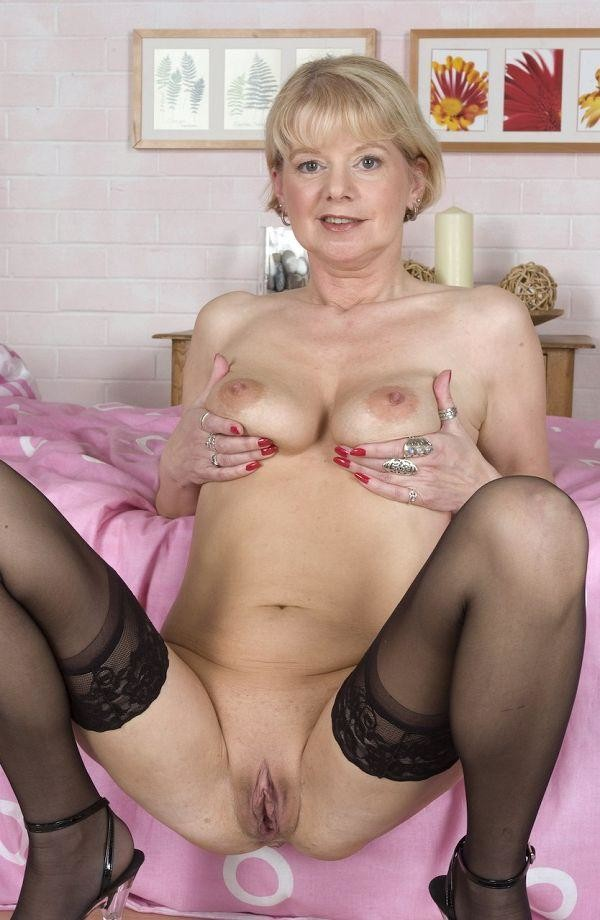 old-ladies-in-stockings-naked-free-hot-lesbian-porn-movie