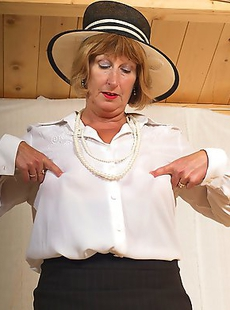 Naughty British mature lady gets frisky